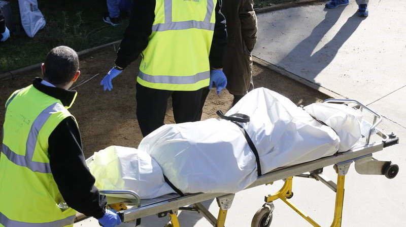 Localizan los cadáveres de dos jóvenes médicos en extrañas circunstancias en un paraje