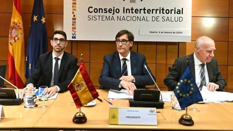 Gobierno y CCAA adoptarán medidas coordinadas en brotes que afecten a varias regiones