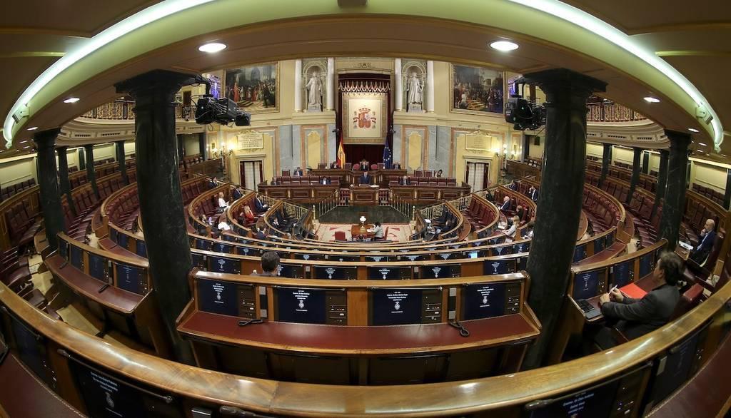 El wifi y las videoconferencias toman la política española... por ahora