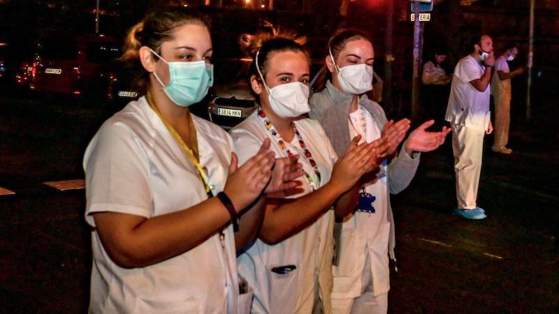 Una joven enfermera hace su testamento porque cree que morirá de coronavirus