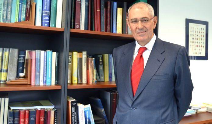 El catedrático de la UCLM Martínez Ataz, premiado por los químicos de CLM