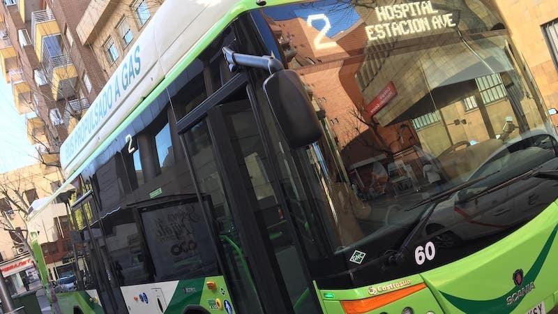 Los usuarios del transporte urbano por autobús bajaron un 84,1% en mayo en CLM