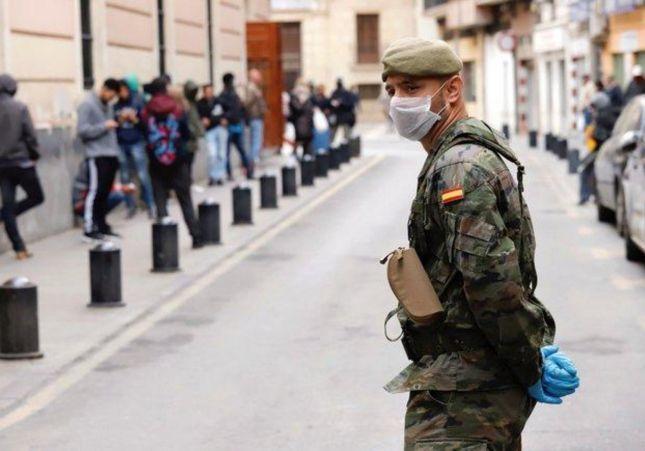 FOTO: Así tienen que hacer sus necesidades los militares que luchan contra el coronavirus