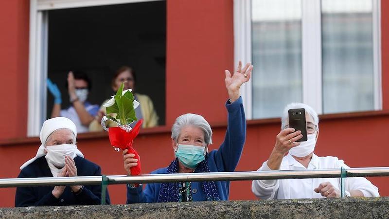 Atacados por el coronavirus y desprotegidos, así se sienten las personas mayores
