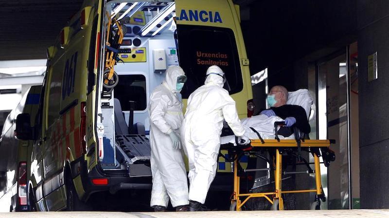 Muere un hombre por coronavirus tres meses después de ser dado de alta entre aplausos