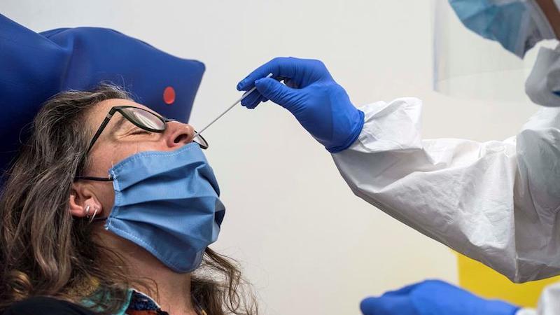 Una mujer que se había recuperado es diagnosticada con coronavirus por segunda vez