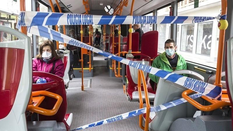 Un conductor de bus, en muerte cerebral tras una paliza por negar el viaje sin mascarilla
