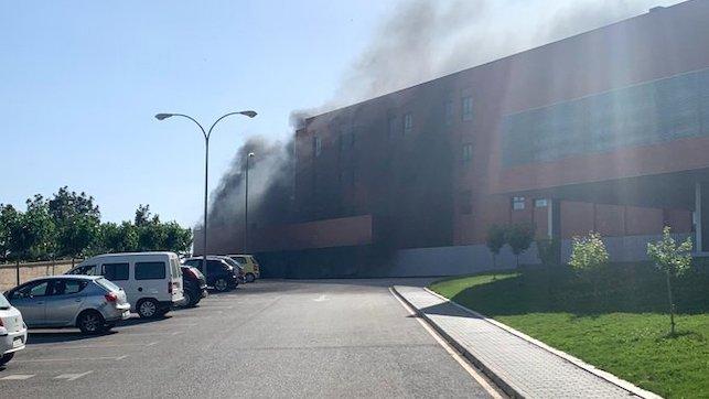 🔴 DIRECTO: Declarado un incendio en el Hospital de Hellín que obliga a desalojar a pacientes