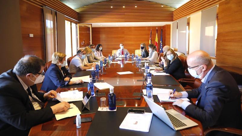Las Cortes abordan en pleno medidas para autónomos y otros debates sobre la crisis