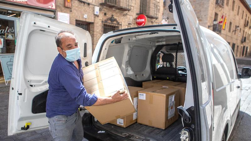El Gobierno de España envía 127.500 mascarillas a Cruz Roja, Cáritas y el Cermi de CLM