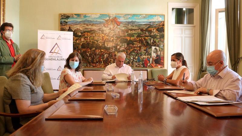 Diputación de Guadalajara destina más de 40.000 euros al fomento de la actividad asociativa