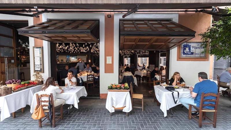 El teletrabajo da la puntilla al clásico bar de menú del día español: