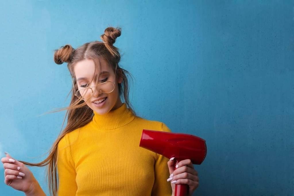 Los mejores consejos para secarte el pelo en casa como en la peluquería