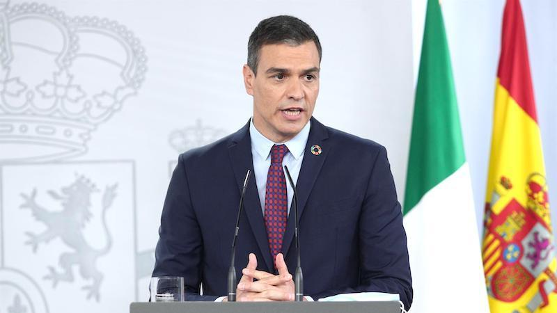 Sánchez se abre a modificar la Constitución para limitar la inviolabilidad del rey