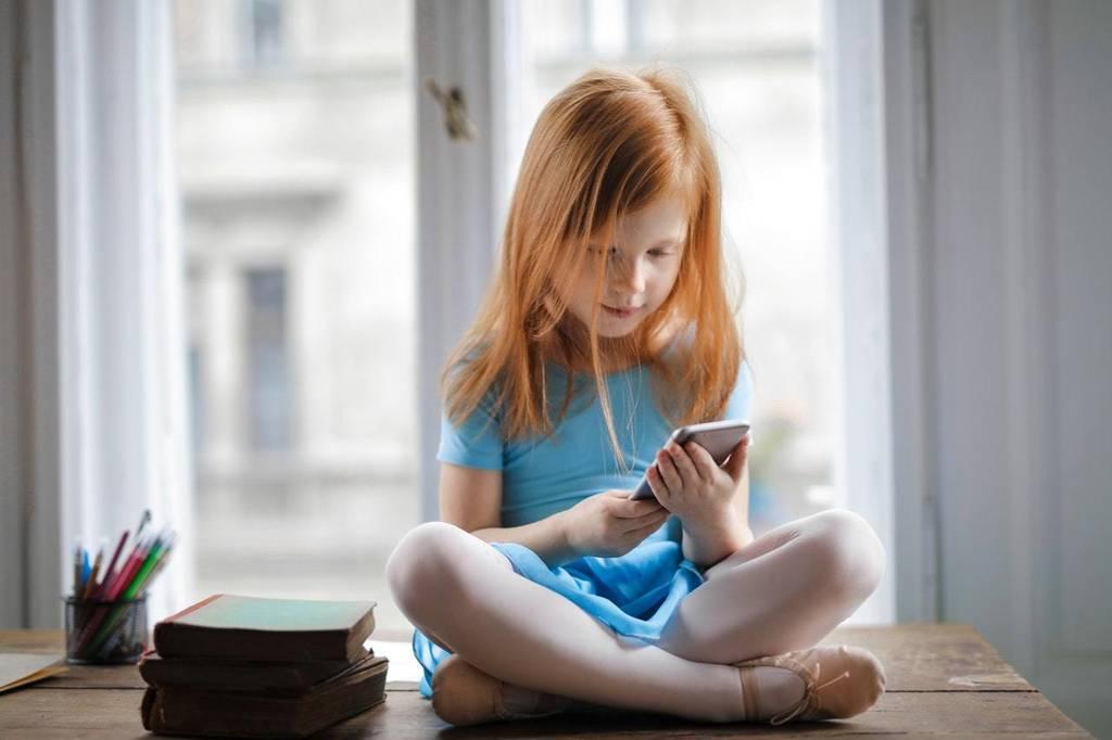 Activa el control parental de tu móvil para que tus hijos estén vigilados