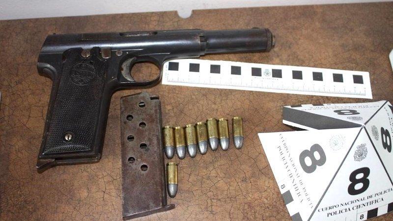 Detenidas dos mujeres que iban a introducir armas blancas y de fuego en Albacete
