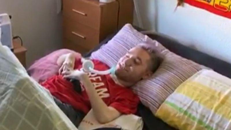 La Policía rescata a un joven con discapacidad grave maltratado por sus padres durante años