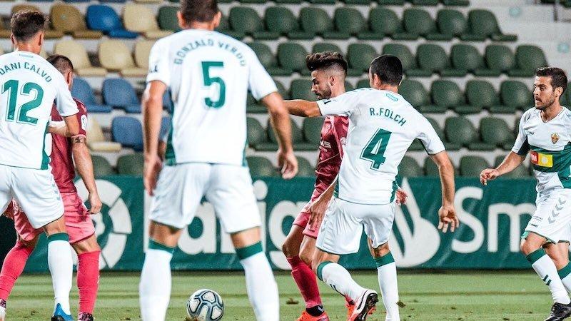 El Albacete pierde en casa del Elche y se mete en puestos de descenso (2-0)