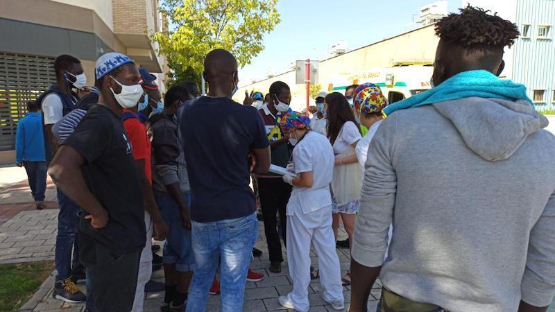 Cruz Roja pagará el billete de autobús a los temporeros que decidan abandonar Albacete