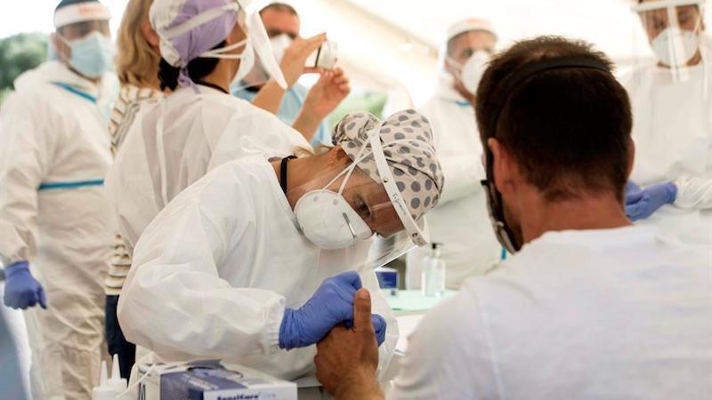 Los contagios por coronavirus siguen marcando récords en España con Madrid a la cabeza