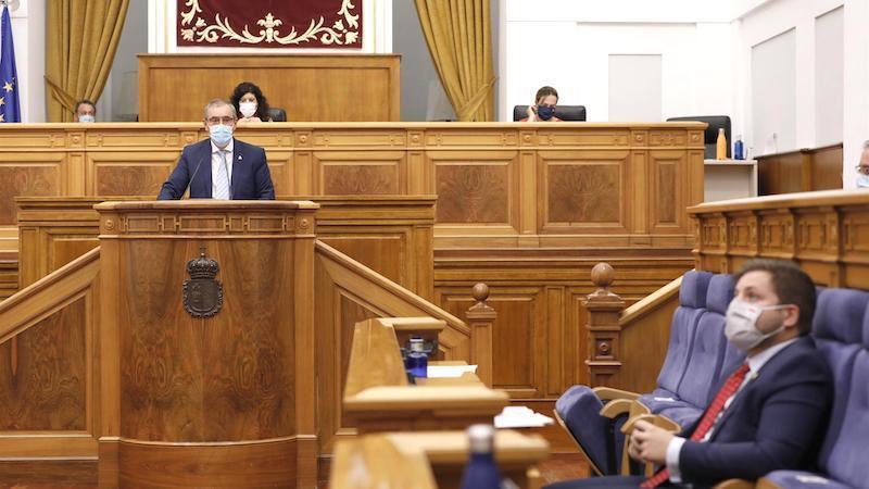 Los grupos parlamentarios apoyan a industria cuchillera, que factura 100 millones
