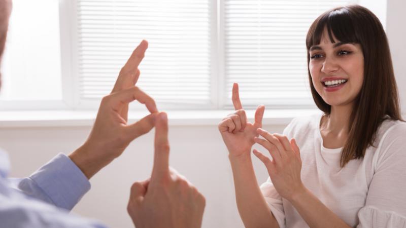 Más de 4.500 servicios de mediación para personas sordas realizados este año en CLM