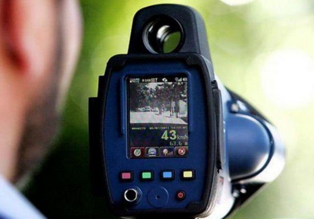 VÍDEO. El radar que te multa a más de 1 km de distancia: dónde está y cómo te pilla