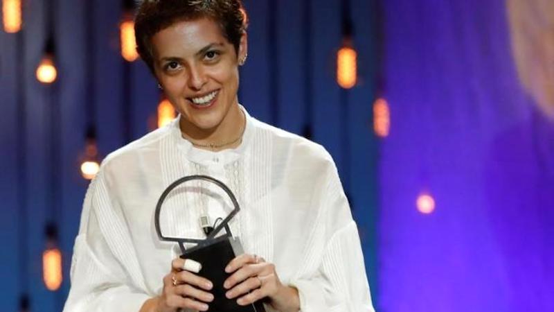 Una joven debutante georgiana hace historia en el Festival de San Sebastián