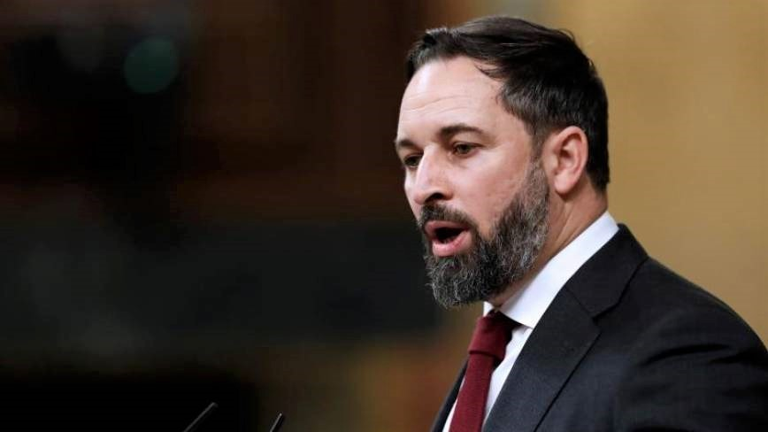 Abascal busca una alternativa con el PP y Sánchez pide a Casado frenar a Vox