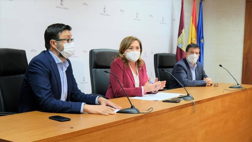 Junta anuncia la contratación de 100 nuevos docentes para desdobles e inclusión