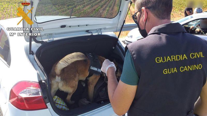 Dos detenidos en Hellín cuando viajaban en un coche con 500 gramos de hachís
