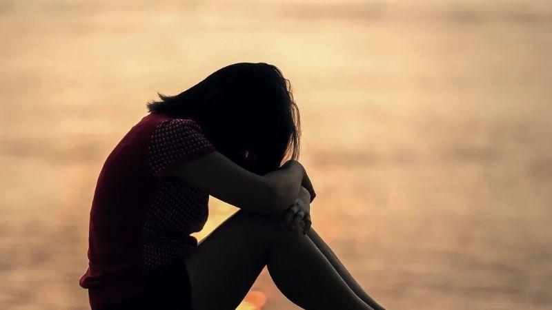 A prisión por consentir que violaran a su hija de 8 años a cambio de dinero y drogas