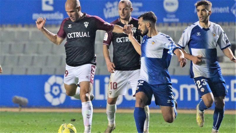 El Sabadell falla un penalti en el último minuto y el Albacete puntúa (0-0)