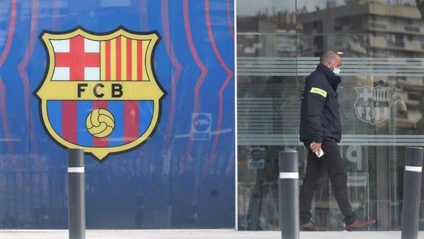 Los Mossos detienen a Bartomeu, expresidente del Barça, tras registrar las oficinas del club