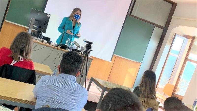 Junta acerca el funcionamiento y las políticas de la UE a los alumnos de la UCLM