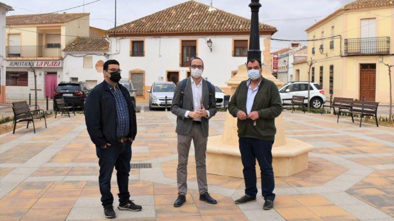 Villalgordo del Júcar remodela su plaza con una inversión de 50.000 euros de Diputación