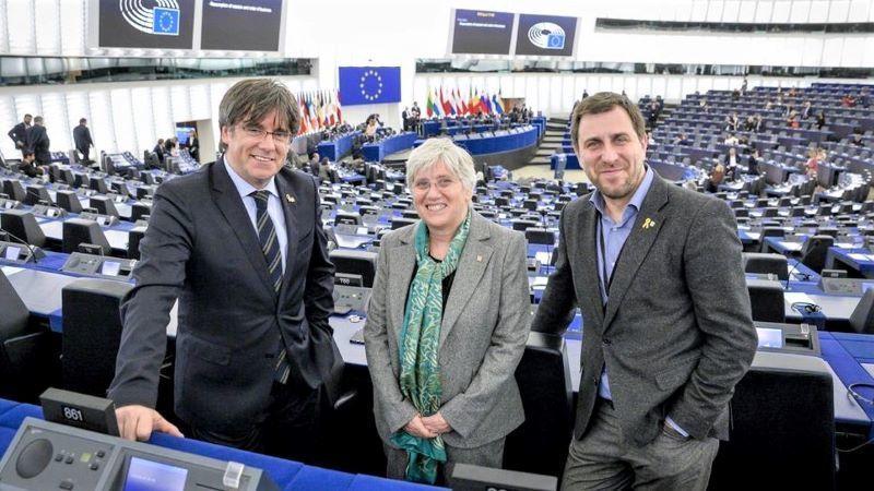 La Eurocámara retira la inmunidad a Puigdemont y permite reactivar la euroorden de detención