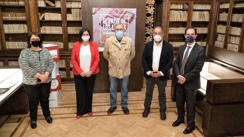 La UCLM organiza una exposición sobre la historia del papel en España