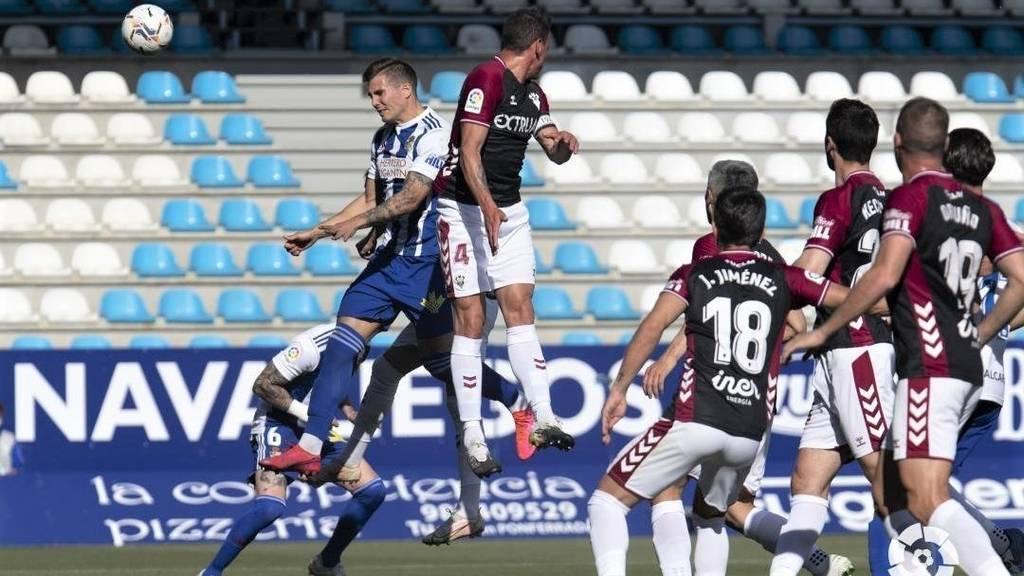 El Albacete se agarra al milagro y descabalga a la Ponferradina de su sueño (0-1)