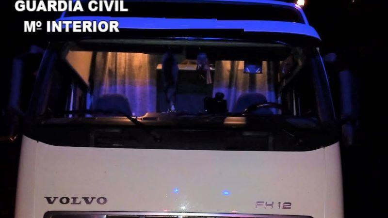 La Guardia Civil investiga a una persona por manipular el tacógrafo de su camión