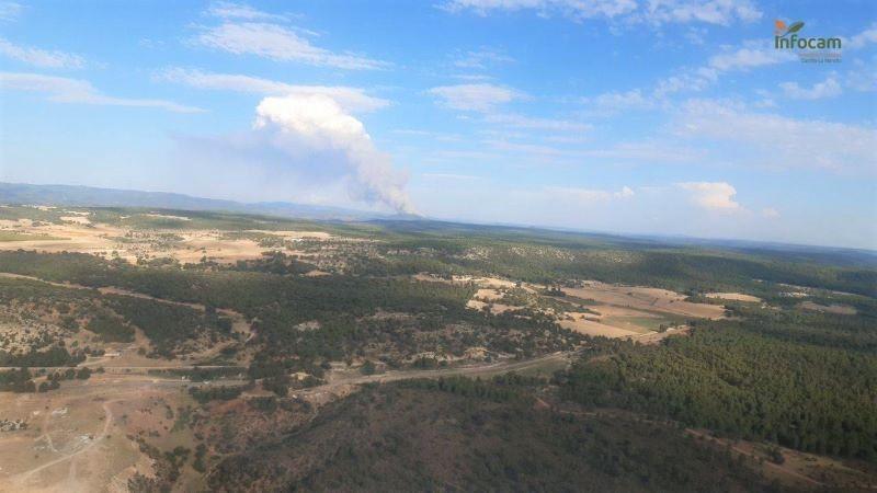 Estabilizado el incendio forestal de la localidad de Víllora, que pasa a nivel 0