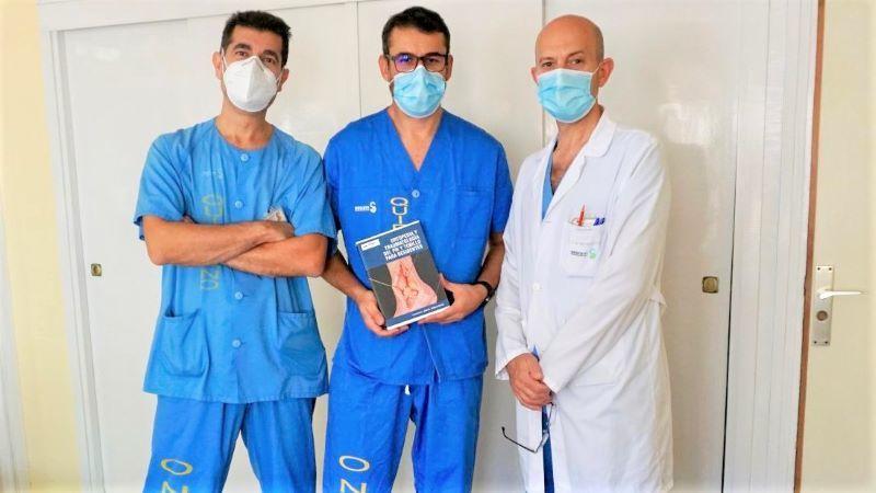 Médicos del Hospital Toledo publican un libro para residentes sobre patología de pie